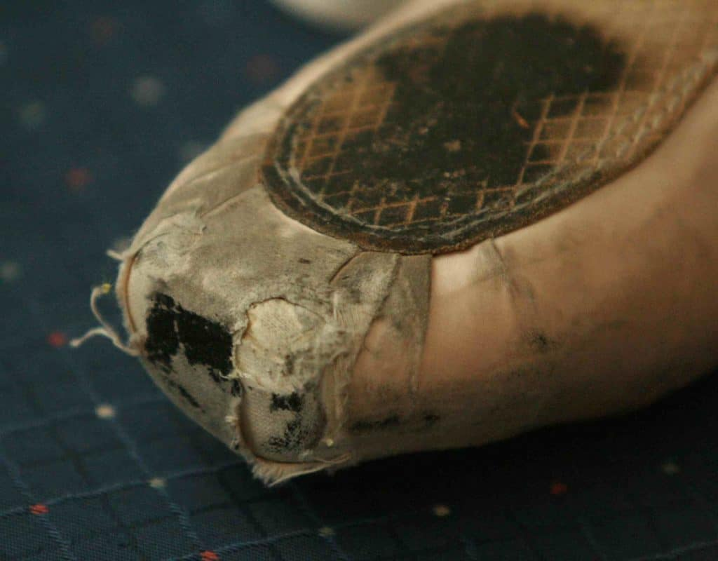 CLEAR SIGNS THAT YOUR POINTE SHOES ARE NO LONGER IN THEIR SHAPE